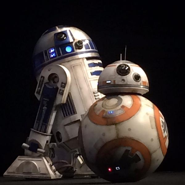 star-wars-7-force-awakens-r2d2-bb8